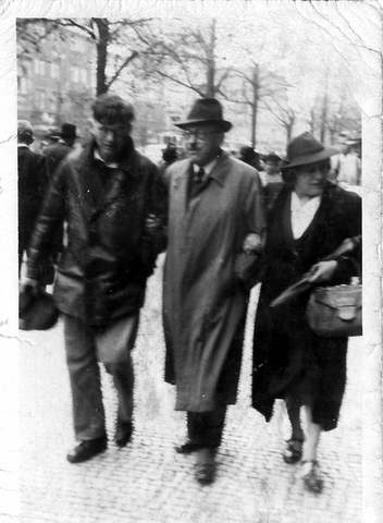 Fritz, seine Ehefrau Julie Stefanie und Sohn Heinz Chaim Löwenthal